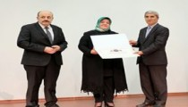 AEÜ Engelsiz Üniversite Bayrak Ödülü Aldı